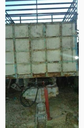Remolque para tractor agrícola.