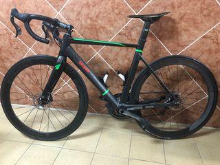 bicicleta de carretera Rock Racing.