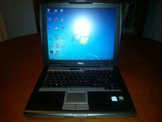 Ordenador portátil Dell Latitude (puerto serie)