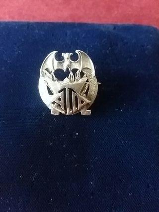 Antigua insignia fallera de plata