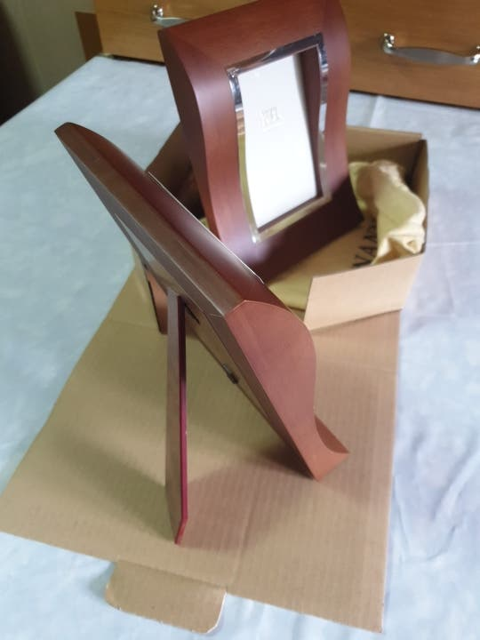 Dos marcos madera