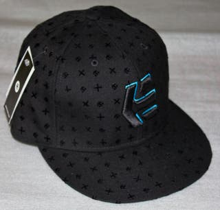 Gorra Etnies Blacklight, New Era 59 Fifty