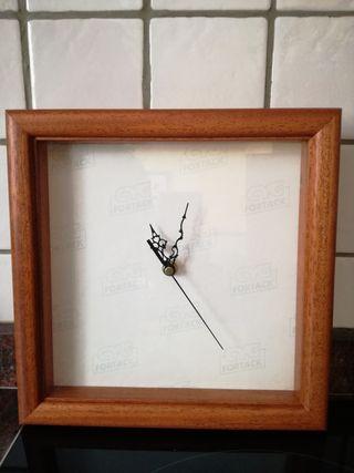 Reloj de cocina para punto de cruz
