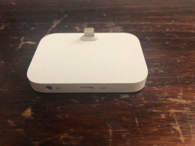Base Dock Lightning original Apple para iPhone