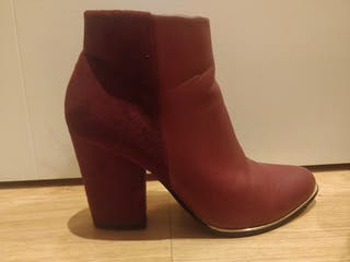 ankle boots. size 5