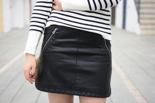 Minifalda piel urban outfitters M