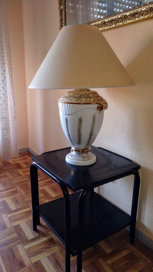 Lámpara de porcelana + mesita