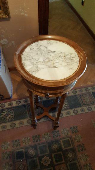 mueble madera y marmol