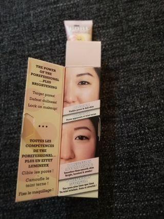 Base de maquillaje Iluminadora BENEFIT