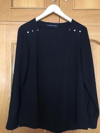 Blusa ZARA negra talla M perfecto estado