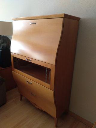 Mueble botellero de diseño.