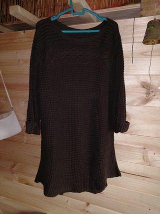 vestido color marrón fuerte