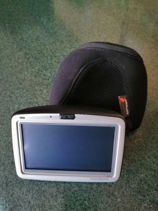 GPS marca Tomtom nuevo. No tiene cargador.