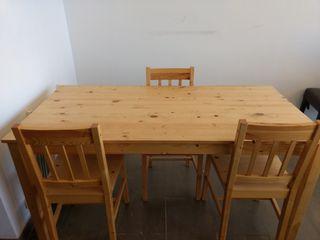 mesa con 3 sillas
