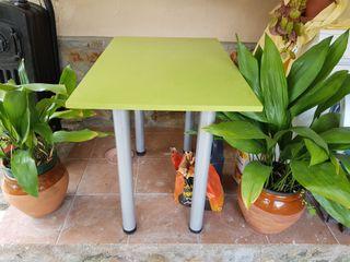 mesa de mármol las patas se pueden desmontar