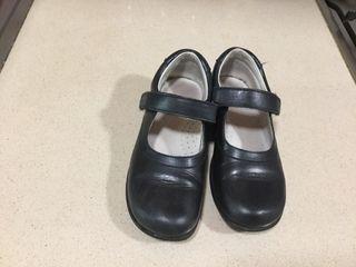 644930a8760 Zapatos colegio de segunda mano en Valencia en WALLAPOP
