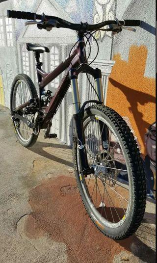 MTB Bici montaña Specialized enduro a la carta
