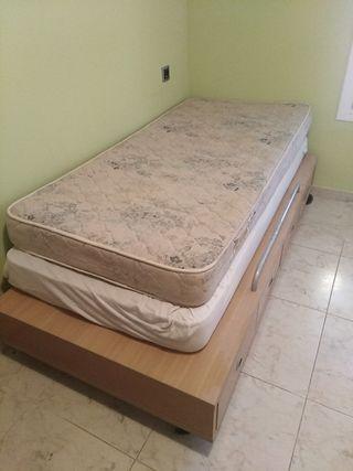 cama 90 con ruedas + 2 colchones
