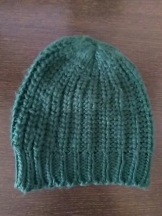 Gorro de lana verde militar