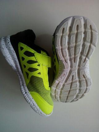 Zapatillas Fila número 25