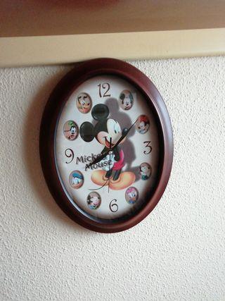 Reloj infantil Disney.