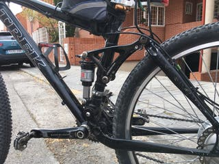 Bicicleta de montaña eléctrica trek
