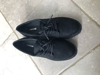 Black shoes - size 5