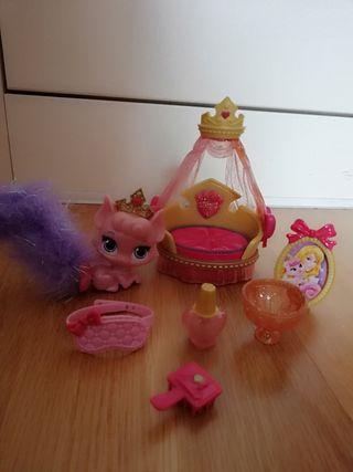 Palace Pets Disney Beauty