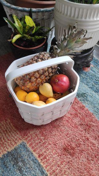 vendo cesta de porcelana hecha a mano