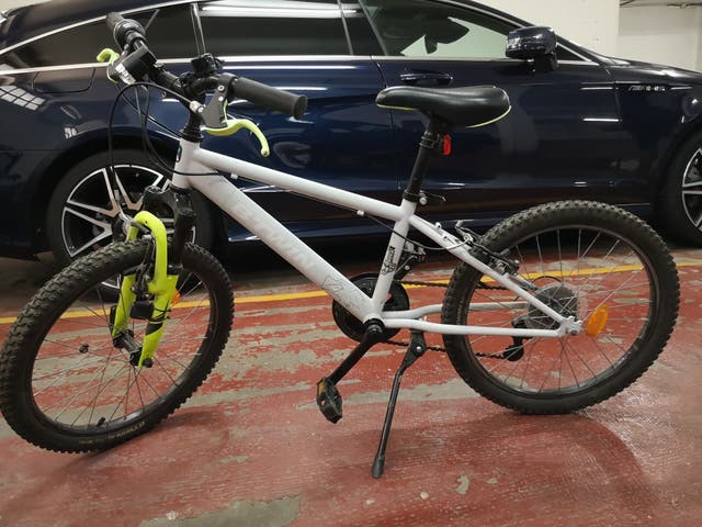 Bicicleta BTT Infantil 20 pulgadas y casco