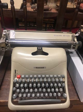 Máquina escribir hispano olivetti