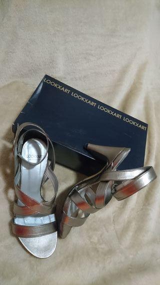 Sandalias € Número 37De En Plata Mano Por Segunda Tacón Color 20 f7bvYIy6gm