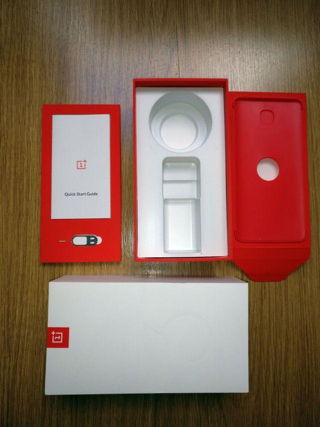 Caja original OnePlus 3T Soft Gold 64GB A3003