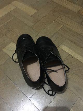 Zapatos negros talla 32