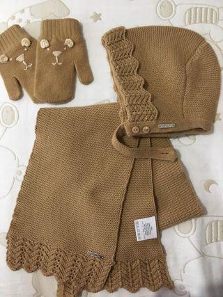 Conjunto bufanda, capota y manoplas marca condor