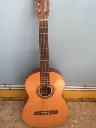Guitarra Admira Belinda