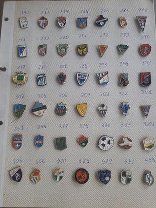fcfc256357e32 Pins fútbol de colección en WALLAPOP