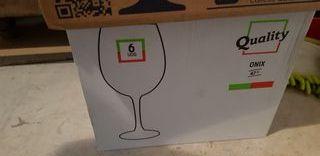 6 copas de vino y 12 copas cava