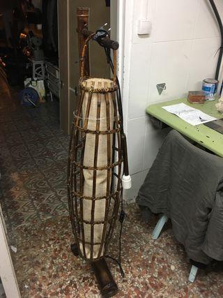 Lampara de pie de bambu vintage