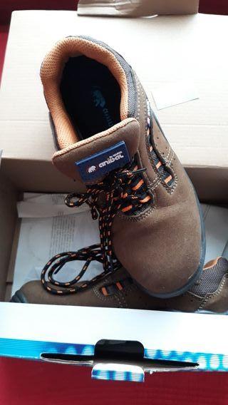 zapatos con punta seguridad 37