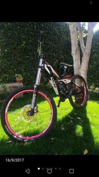 Bicicleta de descenso trek session 8.8