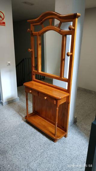 Mueble de madera recibidor