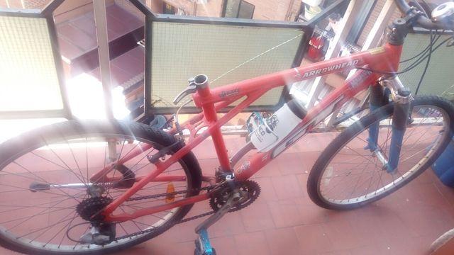 Bicicleta montaña con sillín a estrenar