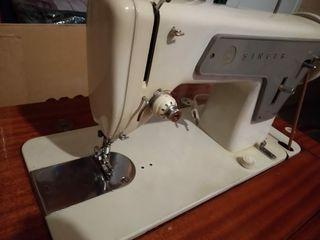 Máquina coser antigua SINGER 810 + mueble