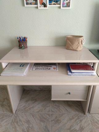 escritorio de madera de cape