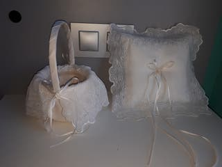 cojín y cesta para boda