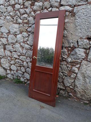 Puerta sapely