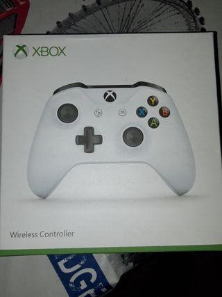 Mando Xbox One sin estrenar