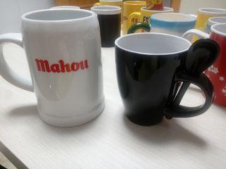 Jarrón Mahou y taza con cucharilla