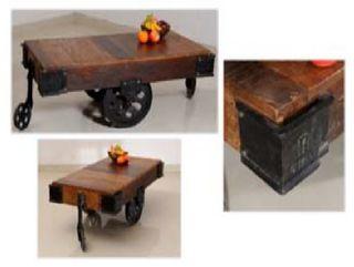Mesa de centro industrial de madera maciza.Vintage